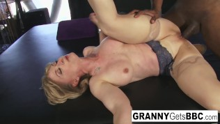 Porn legend Nina Hartley gets interracial in her sexy lingerie